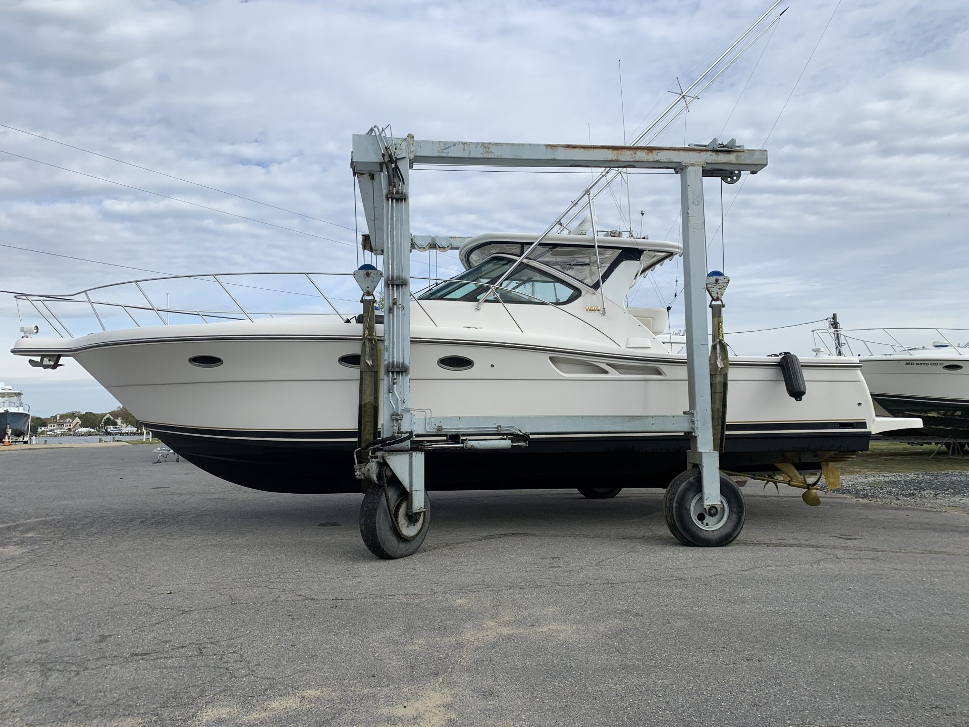 Travel Lift Services - Ventnor Marina